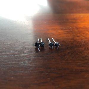 Jewelry - 2 pairs of black stud earrings